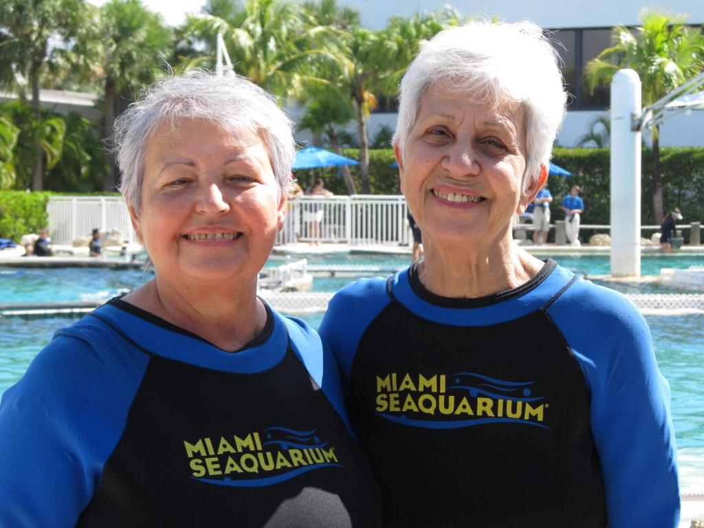 Two older adult ladies at Miami Sequarium
